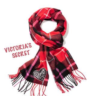 ヴィクトリアズシークレット(Victoria's Secret)のヴィクトリアシークレットレッド×ブラック チェック マフラー ストール(マフラー/ショール)