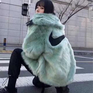 ナイキ(NIKE)のNIKE × AMBUSH リバーシブル フェイクファー コート(毛皮/ファーコート)
