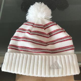 アディダス(adidas)の帽子(ニット帽/ビーニー)