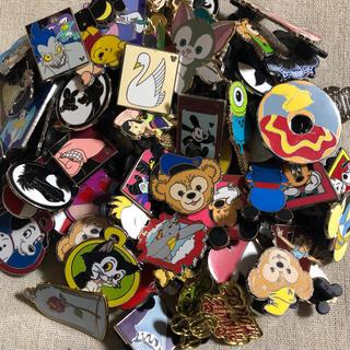 ディズニー(Disney)の海外 ディズニー ピンバッジ 20個セット ピンバッチ ダッフィー 入 ピントレ(バッジ/ピンバッジ)
