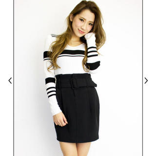 デイライルノアール(Delyle NOIR)のデイライル☆新品‼️ベルト付きタックスカート☆ブラック(ミニスカート)