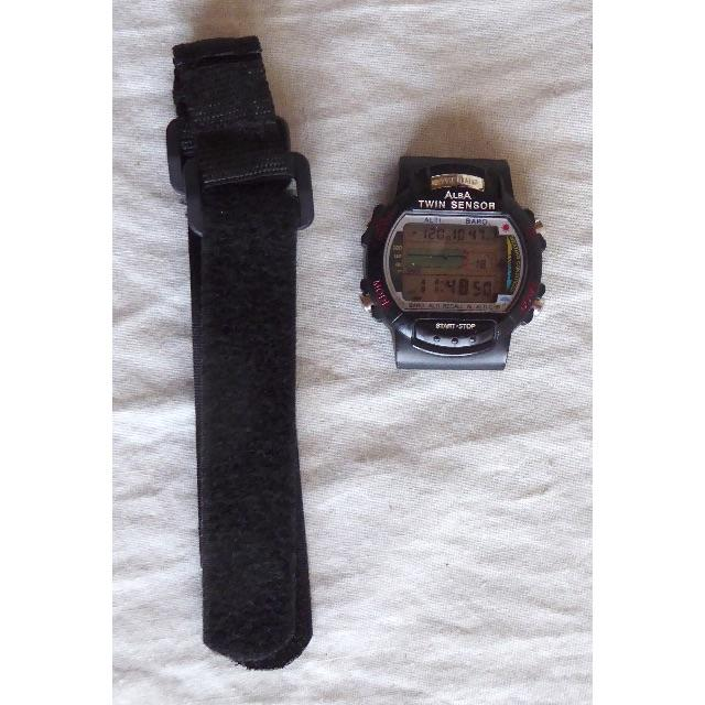 ALBA(アルバ)のALBA アウトドア 腕時計(温度・高度・気圧センサー)  メンズの時計(腕時計(デジタル))の商品写真