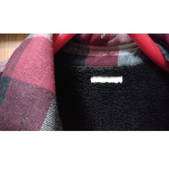 GU(ジーユー)の【新品未使用】💖GU チェック裏ボアジャケット💖 メンズのジャケット/アウター(ダウンジャケット)の商品写真