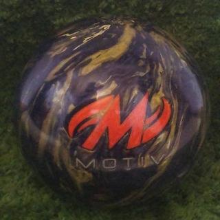 モーティブ(MOTIVE)のMOTIVE 13ポンド ボウリングボール(ボウリング)
