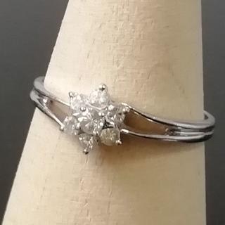 美品 Pt900 プラチナ ダイヤ フラワーデザイン リング QE23(リング(指輪))