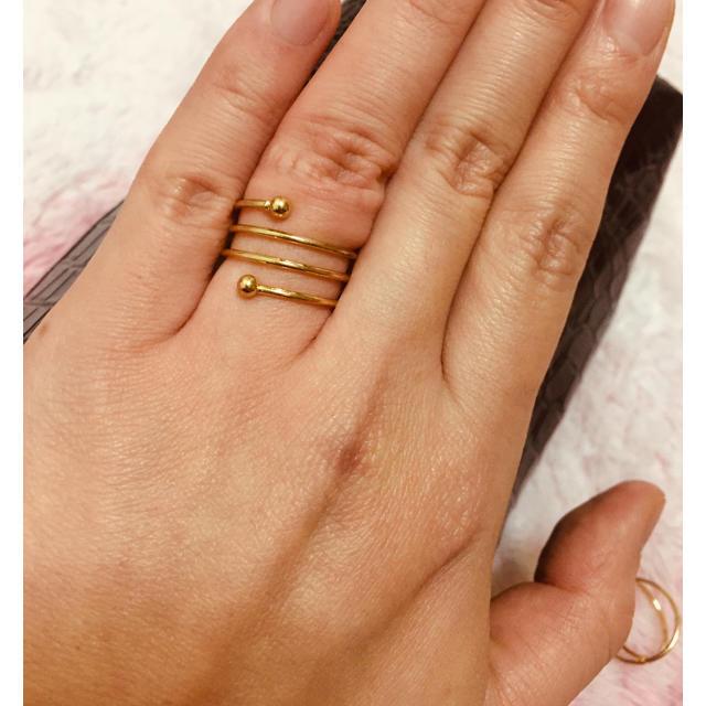 ZARA(ザラ)のネジネジデザイン✨ゴールドリング✨指輪✨ レディースのアクセサリー(リング(指輪))の商品写真