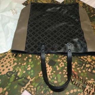 ヴィヴィアンウエストウッド(Vivienne Westwood)の未使用カット&スラッシュ本革トートバッグ6万円ヴィヴィアンウエストウッド(トートバッグ)