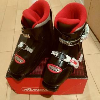ノルディカ(NORDICA)のノルディカ子供用スキーブーツ 20.5(ブーツ)