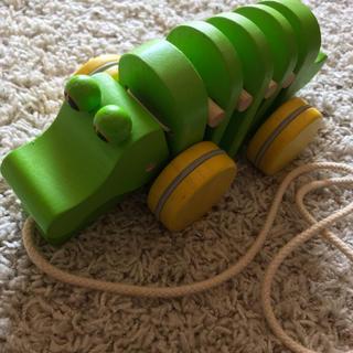 プラントイ(PLANTOYS)のplan toys dancing alligator 木のおもちゃ カタカタ(手押し車/カタカタ)