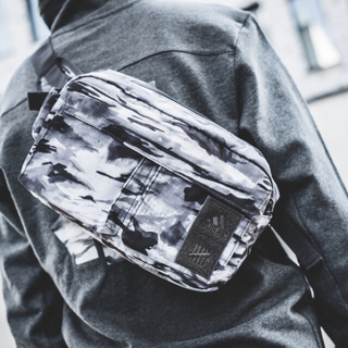 アディダス(adidas)のadidas Originals Undefeated RUNNING BAG(ウエストポーチ)