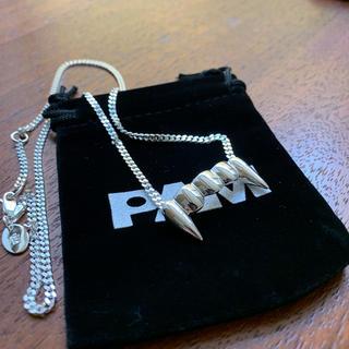 パム(P.A.M.)のPAM FANG NECKLACE 新品未使用(ネックレス)