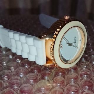 CHANEL - クォーツ腕時計 White