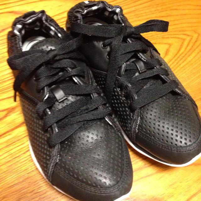 Reebok(リーボック)のリーボック イージートーン 黒♡ レディースの靴/シューズ(スニーカー)の商品写真