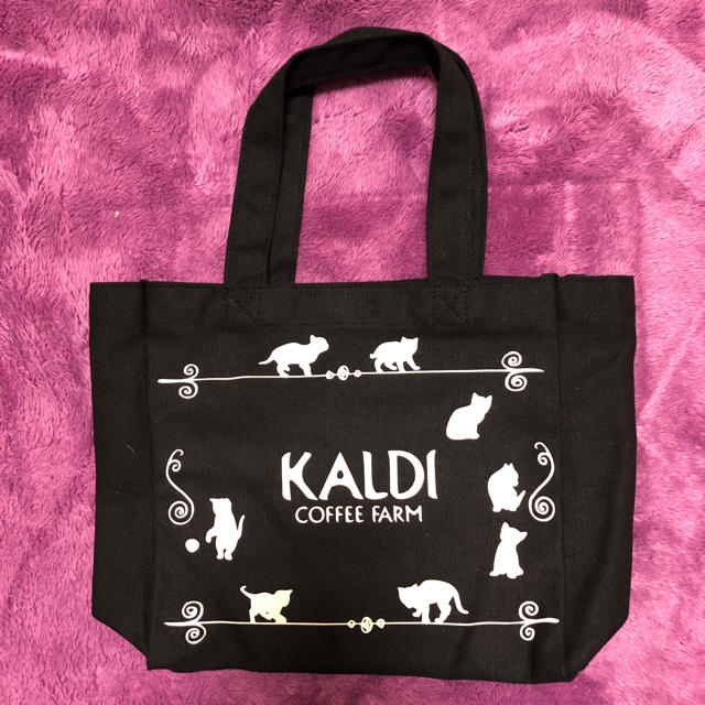 KALDI(カルディ)のネコの日バッグ カルディ 猫の日 2018 猫の日バッグ レディースのバッグ(トートバッグ)の商品写真