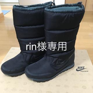ナイキ(NIKE)のナイキ  スノーブーツ  レディース  黒  24.5㎝(ブーツ)
