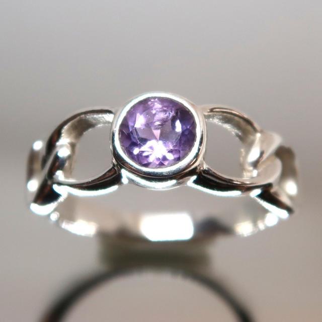 天然石アメシスト デザインリング レディースのアクセサリー(リング(指輪))の商品写真