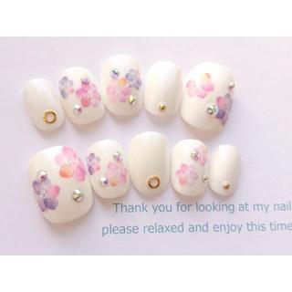 両面テープ付♡ウェディングおよばれに◆白と淡いピンクと紫のネイルチップ832