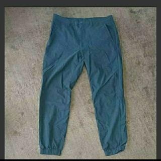 ジーユー(GU)のGU 黒 ズボン L メンズ(ワークパンツ/カーゴパンツ)