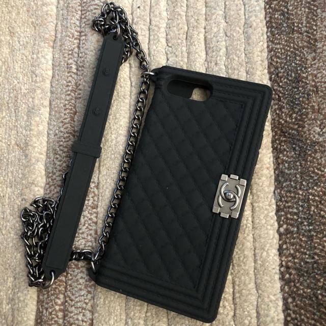 CHANEL - チェーンバッグ型 iPhone8plus ケース  シリコン  黒の通販 by ukoyu's shop|シャネルならラクマ