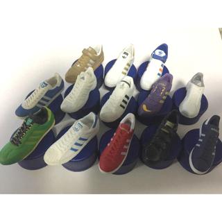 アディダス(adidas)のアディダス スニーカー フィギュア ペプシボトルキャップ スニーカー 40個(ノベルティグッズ)
