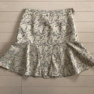 アミウ(AMIW)のスカート(ひざ丈スカート)