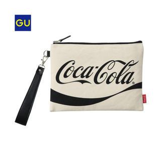 ジーユー(GU)のコカ・コーラ クランチバッグ(クラッチバッグ)