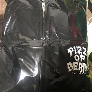 ハイスタンダード(HIGH!STANDARD)のPIZZA OF DEATH ピザオブデス   パーカー  新品 黒 XLサイズ(パーカー)
