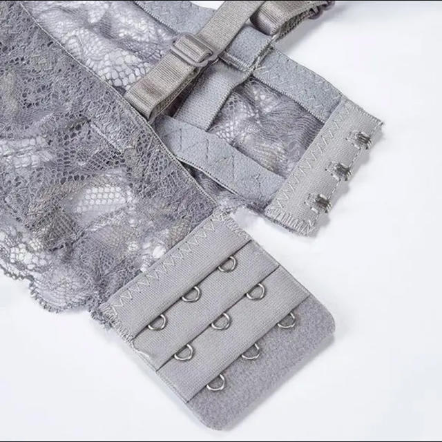 ランジェリー レディースの下着/アンダーウェア(ブラ&ショーツセット)の商品写真