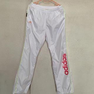 アディダス(adidas)のアディダス ウインドブレーカー ホワイト 白 ロゴ カッコいい 運動 スポーツ (ウォーキング)