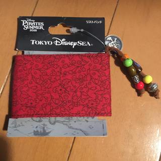 ディズニー(Disney)のディズニーシー パイレーツカリビアン リストバンド 新品(バングル/リストバンド)