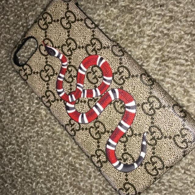 Gucci - タイムセール!!!  GUCCI iPhoneケース の通販 by しみこ|グッチならラクマ