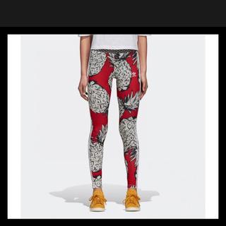 アディダス(adidas)のアディダスオリジナルス パイナップル柄 レギンス 新品タグ付き M(レギンス/スパッツ)
