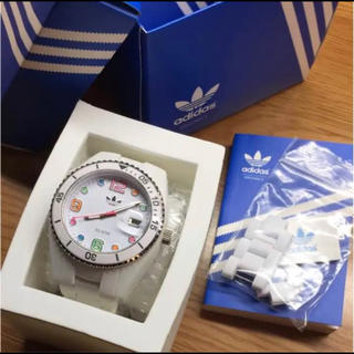 アディダス(adidas)の【早い者勝ち】アディダス 腕時計  ブリスベン ホワイト ADH2926(腕時計(デジタル))