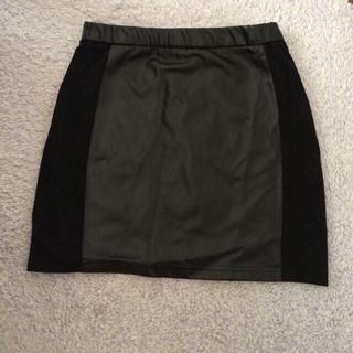 アベイル(Avail)のレザースカート(ミニスカート)