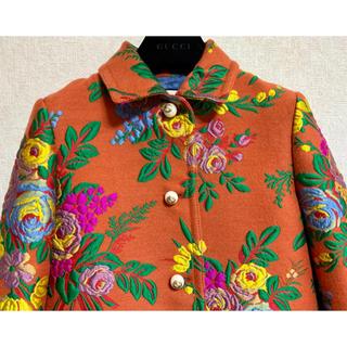 グッチ(Gucci)の●GUCCIグッチ17awオレンジメルトン花刺繍GGパールボタンコート38新品(ロングコート)