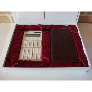 アマダナ(amadana)のUNIVERSAL × amadana コラボ電卓 新品未使用品(オフィス用品一般)