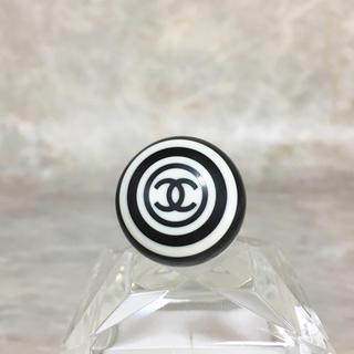 シャネル(CHANEL)の正規品 シャネル 指輪 ココマーク 白 黒 丸 ボーダー ホワイト ロゴ リング(リング(指輪))