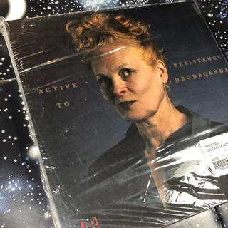 ヴィヴィアンウエストウッド(Vivienne Westwood)の新品 未開封 イギリス限定 Vivienne Westwood Book(その他)