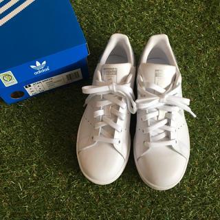 アディダス(adidas)の新品addidasスタンスミス・シルバー22.5cmアディダスstansmith(スニーカー)