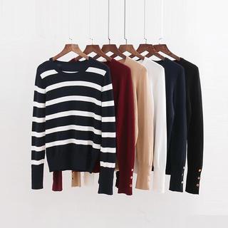 ザラ(ZARA)の【新品・送料込】ボタン付きベーシックセーター(ニット/セーター)