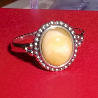 バルト産天然琥珀 小さなロイヤルアンバー リング 2.31g 21号(リング(指輪))