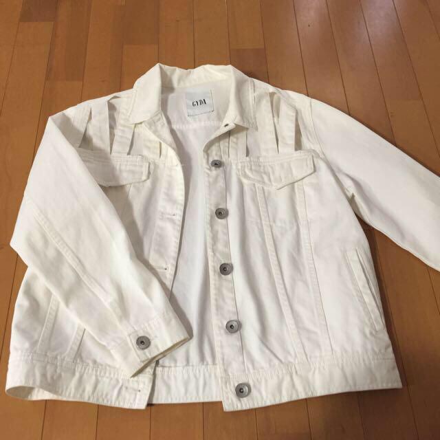 GYDA(ジェイダ)の値下げ中GYDAホワイトデニムジャケット レディースのジャケット/アウター(Gジャン/デニムジャケット)の商品写真