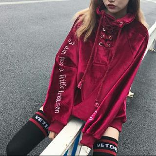 韓国ファッション ベロア トップス 赤