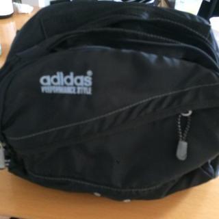 アディダス(adidas)のアディダス   ヒップバッグ(ウエストポーチ)