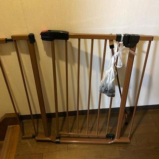 Ree様専用 ベビーゲート 西松屋(ベビーフェンス/ゲート)