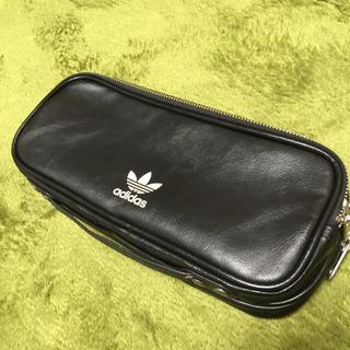 アディダス(adidas)のadidas メンズ セカンドバッグ  ブラック(セカンドバッグ/クラッチバッグ)