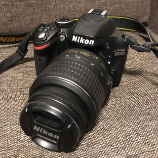 【たれ様専用】Nikon D3200 ダブルズームキット 美品(デジタル一眼)