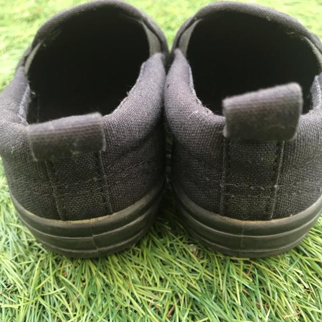 ampersand(アンパサンド)のスリッポンタイプ  スニーカー 黒 キッズ15センチ 美品 アンパサンド  キッズ/ベビー/マタニティのキッズ靴/シューズ (15cm~)(スニーカー)の商品写真
