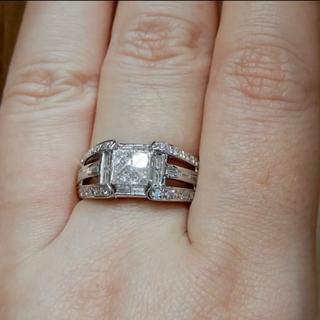 《高品質》ミステリーセッティング&テーパーダイヤモンド1.00ct Pt900(リング(指輪))