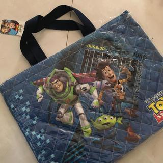 ディズニー(Disney)のレッスンバック 新品 バズライトイヤートイストーリー 青 通園 通学 ディズニー(バッグ/レッスンバッグ)